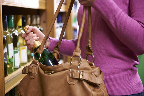 How to Sneak Alcohol on a Cruise (Photo: SpeedKingz/Shutterstock)