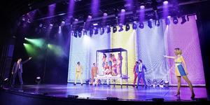 """P&O Cruises """"Astonishing"""" A Revolutionary Magic and Illusion Show (Photo: P&O Cruises)"""