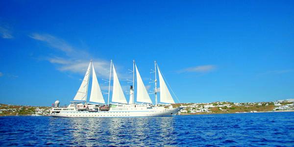 A Windstar cruise in Mykonos (Photo: Windstar Cruises)
