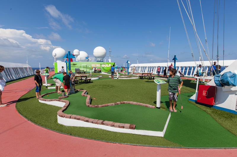 Mini Golf on Carnival Fantasy