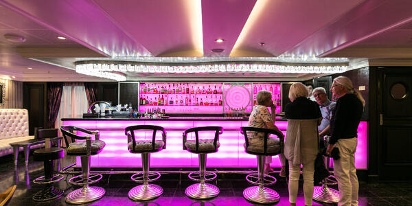 Casino Bar on Riviera (Photo: Cruise Critic)