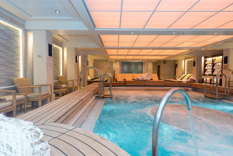 Therapy Pool on Queen Mary 2 (QM2)