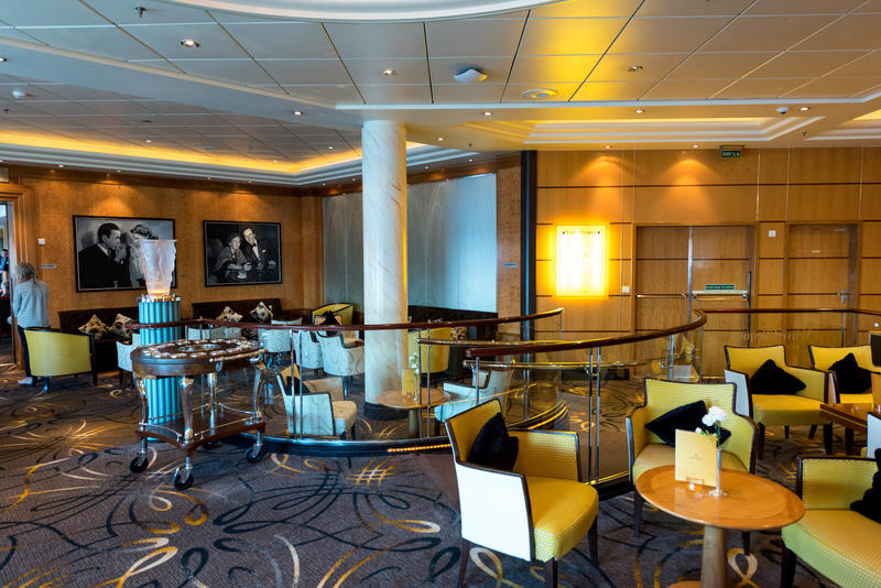 Veuve Clicquot Champagne Bar on Queen Mary 2 (QM2)