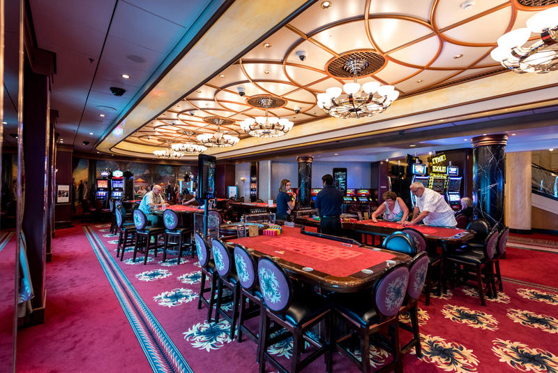 Empire Casino on Queen Mary 2 (QM2)