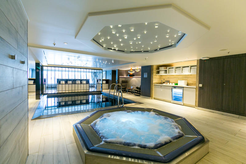 The Jacuzzi on Crystal Mozart