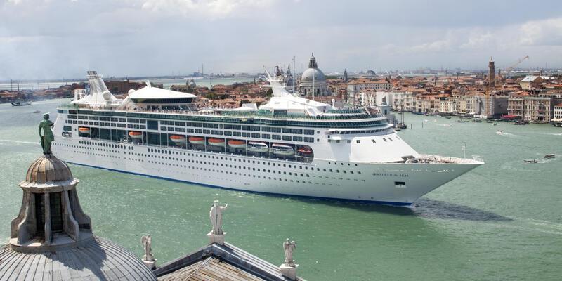 Grandeur of the Seas (Photo: Royal Caribbean International)