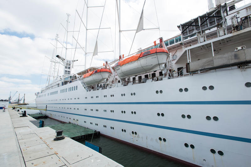 Ship Exterior on Wind Surf