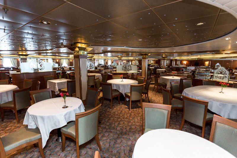 Provence Dining Room on Island Princess