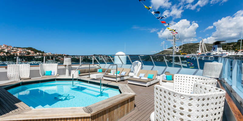 The Pool on Crystal Esprit  (Photo: Cruise Critic)