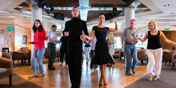 Dance class hosted on Seabourn Quest (Photo: Cruise Critic)