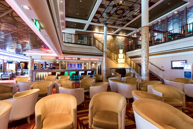Magnum's Champagne & Wine Bar on Norwegian Pearl