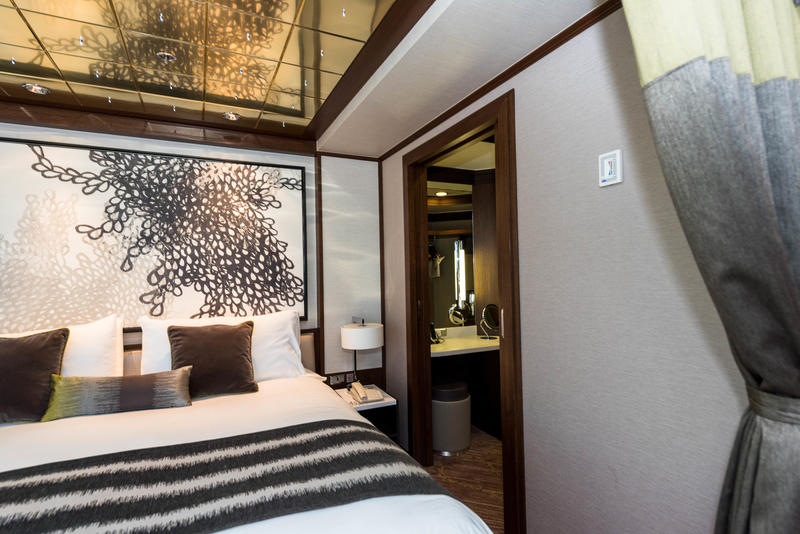 The Haven Deluxe Owner's Suite on Norwegian Pearl