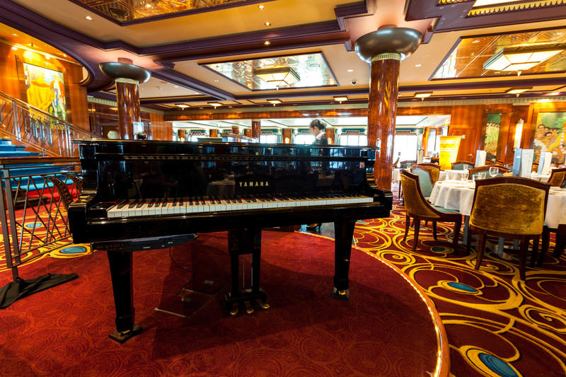 Grand Pacific Dining Room on Norwegian Jade