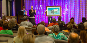 Art Auction on a cruise ship (Photo: Cruise Critic)