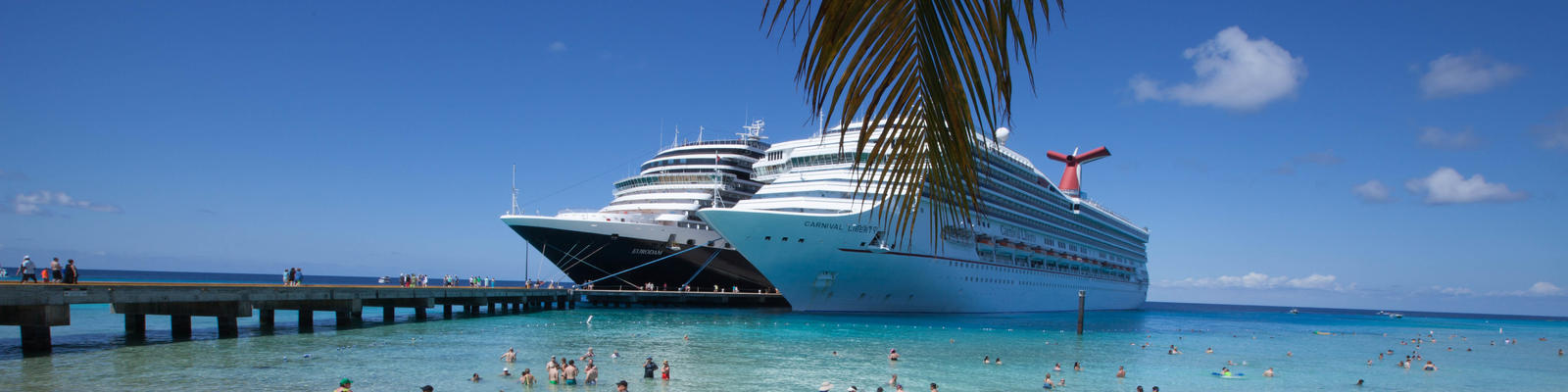 Cruise ships in Grand Turk (Photo: Cruise Critic)