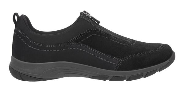 Easy Spirit Cave walking shoes (Photo: Easy Spirit)