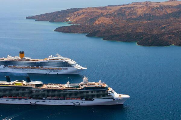 Cruise ships in the Mediterranean (Photo: Ravil Sayfullin/Shutterstock.com)
