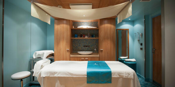 Treatment room in a Carnival cruise ship spa (Photo: Cruise Critic)
