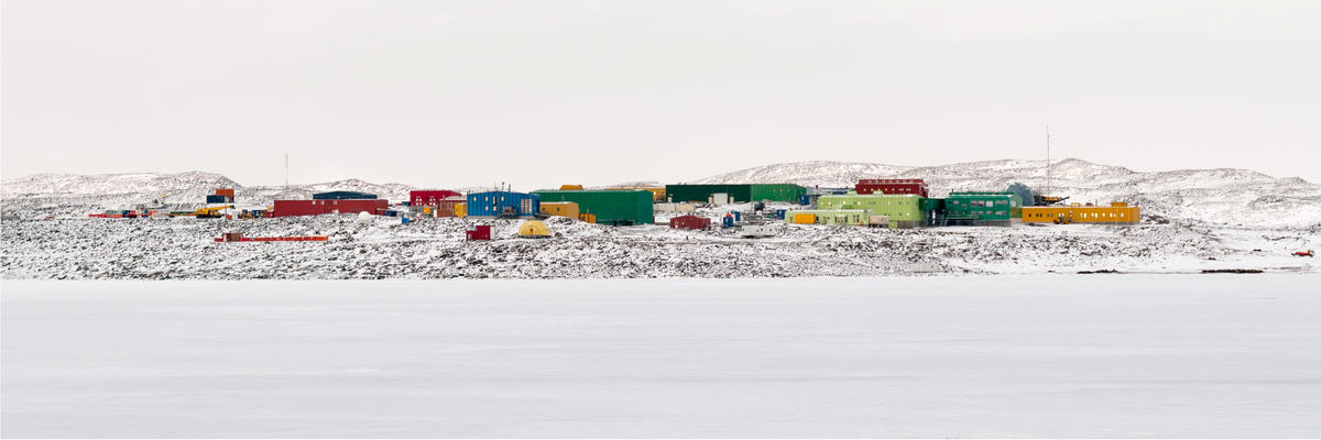 Davis Station, Antarctica (Photo: Graeme Snow/Shutterstock)
