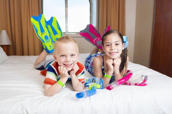 Kids on Cruise (Photo: Brocreative/Shutterstock)