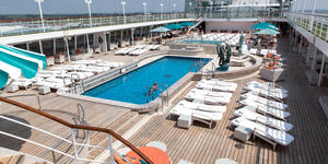 Crystal's Symphony Lido Deck (Photo: Cruise Critic)