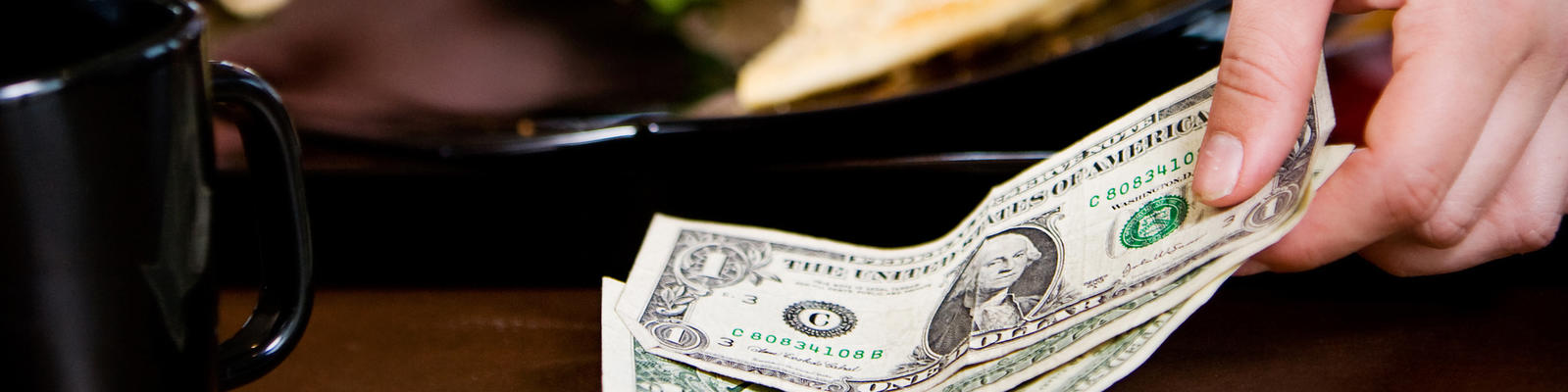 The Truth About Gratuities (Photo: Sean Locke Photography/Shutterstock)