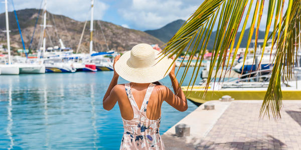 Best Cruises for Single Women (Photo: Maridav/Shutterstock)