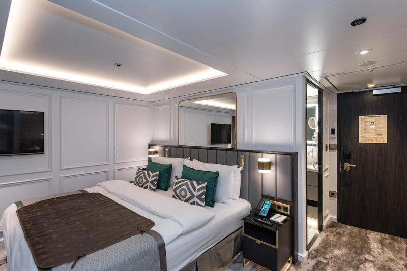 The River Suite Deluxe with Panoramic Balcony-Window on Crystal Bach