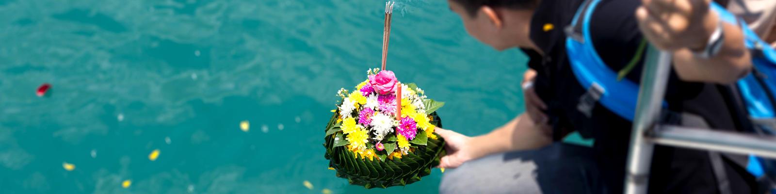 Ashes Ceremony in Thailand (Photo: Bignai/Shutterstock)