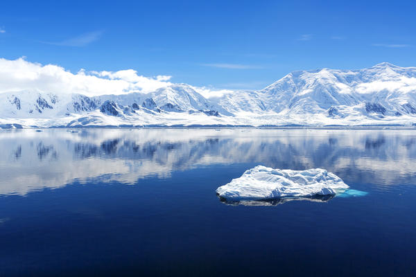 Majestic Glaciers in the Arctic (Photo: Denis Burdin/Shutterstock)