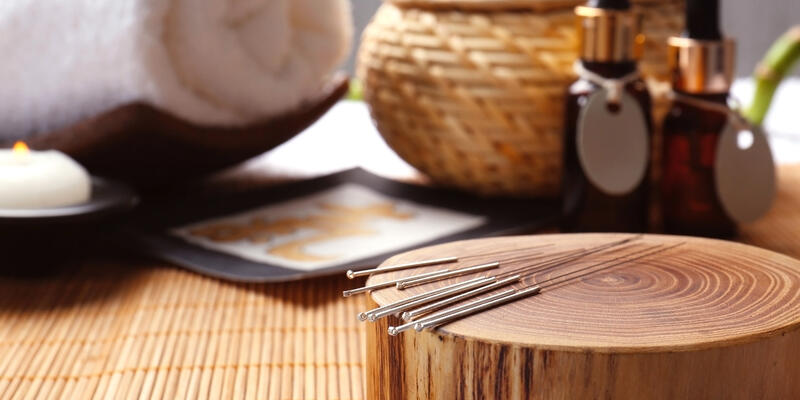 Composition With Acupuncture Needles (Photo: Africa Studio/Shutterstock)