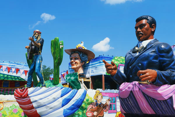 Floats from the Mardi Gras Parade in New Orleans (Photo: Joseph Sohm / Shutterstock)
