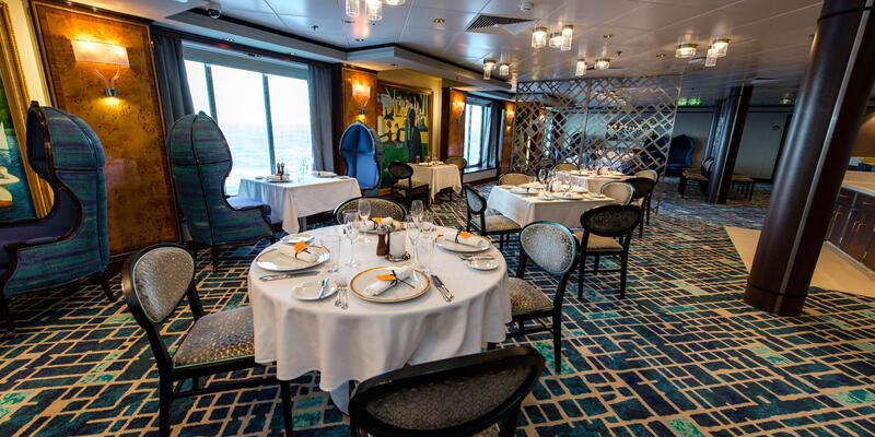 Le Bistro on Norwegian Dawn (Photo: Cruise Critic)