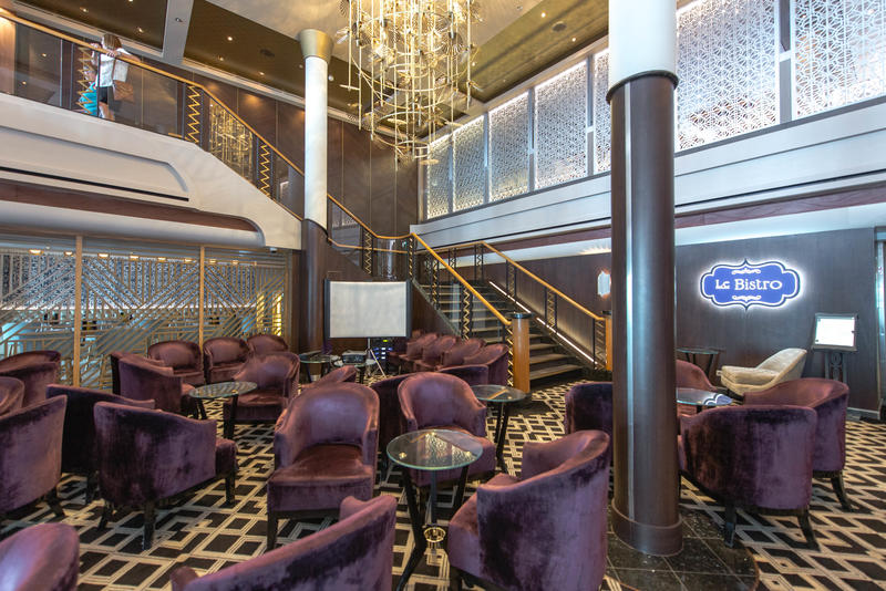 Gatsby's Champagne Bar on Norwegian Dawn