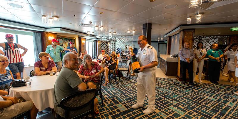 Cruise Critic Meet & Mingle in Le Bistro on Norwegian Dawn