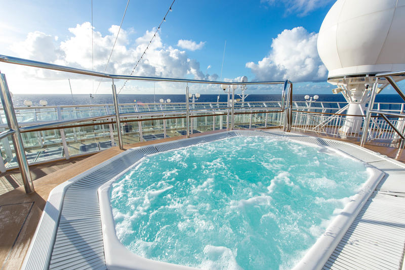 Forward Sun Deck on Norwegian Dawn