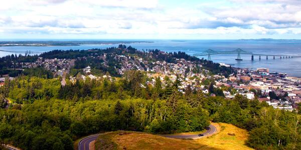 Astoria, Oregon and the Columbia River (Photo: Sharon Eisenzopf/Shutterstock)