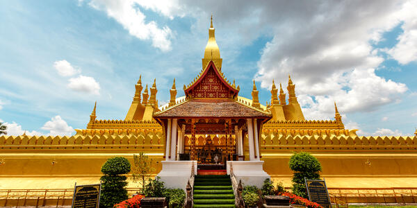 Luang Temple, Vientiane (Photo: Chompunoi/Shutterstock)