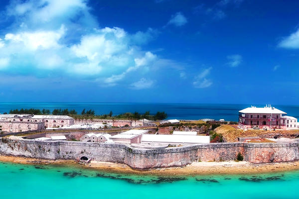 Panorama of the King's Wharf in Bermuda (Photo: Just dance/Shutterstock)