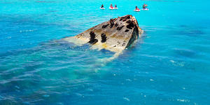 Shipwreck Partially Submerged on Bermuda Island (Photo: orangecrush/Shutterstock)