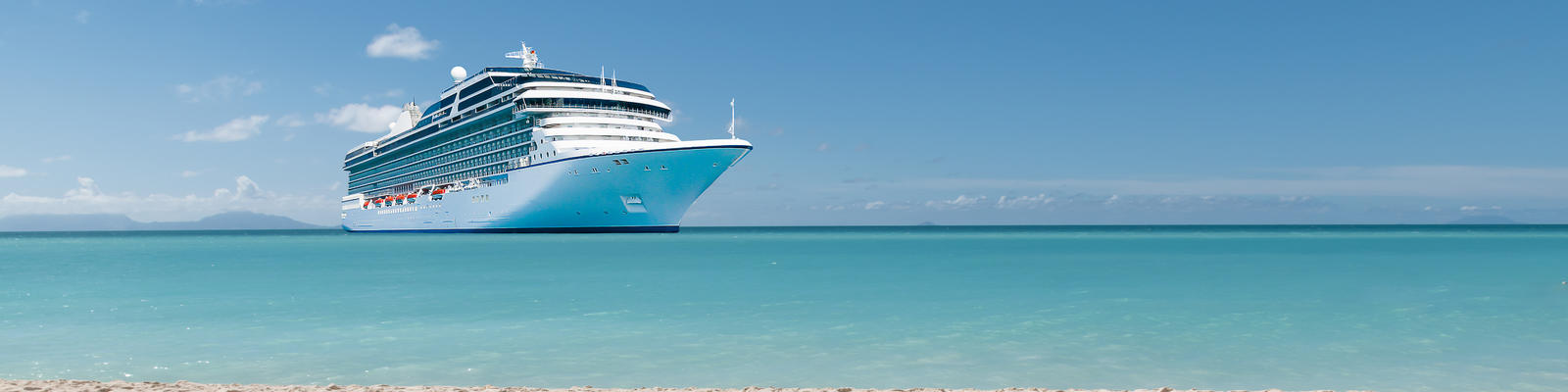 What's Included in Your Cruise Fare? (Photo: By NAPA/Shutterstock)