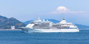 Silver Shadow in Shimizu, Japan (Photo: Silverseas)