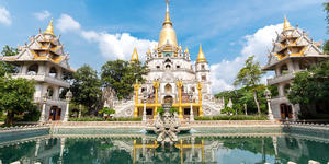 Buu Long Pagoda at District 9, Ho Chi Minh City, Vietnam (Photo: TonyNg/Shutterstock)