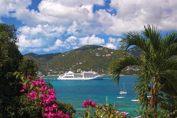 Silver Spirit Sailing in The Bahamas (Photo: Silversea)
