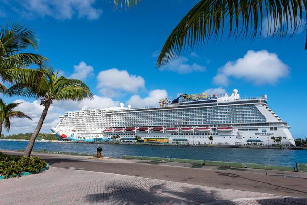 Norwegian Breakaway (Photo: Cruise Critic)