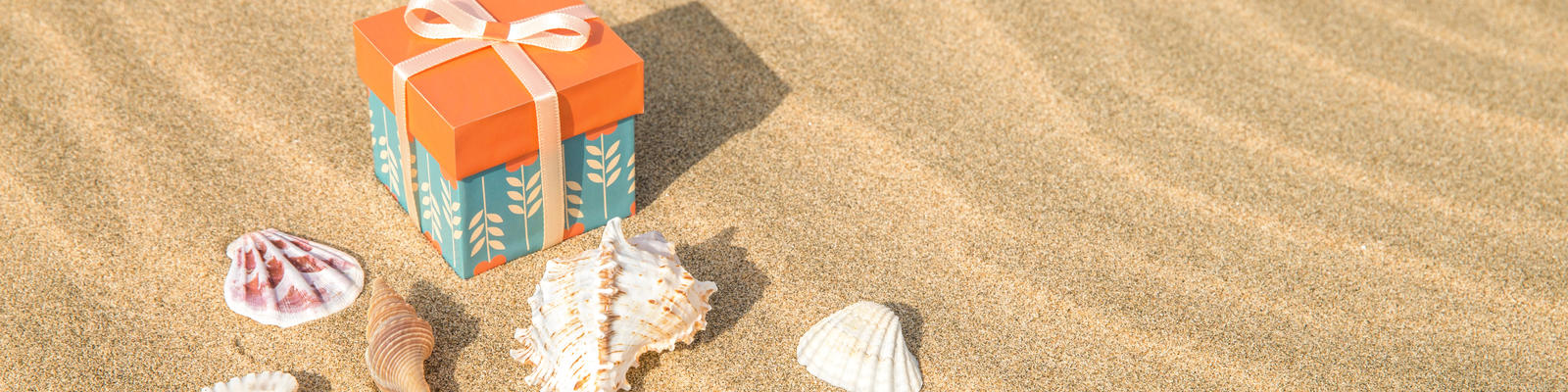 5 Lines That Make Gift Giving Easy With Cruise Gift Cards (Photo: mogilami/Shutterstock)