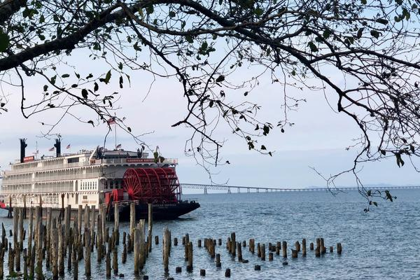 American Empress docked on the Columbia River (Photo: Chris Gray Faust/Managing Editor, Cruise Critic)