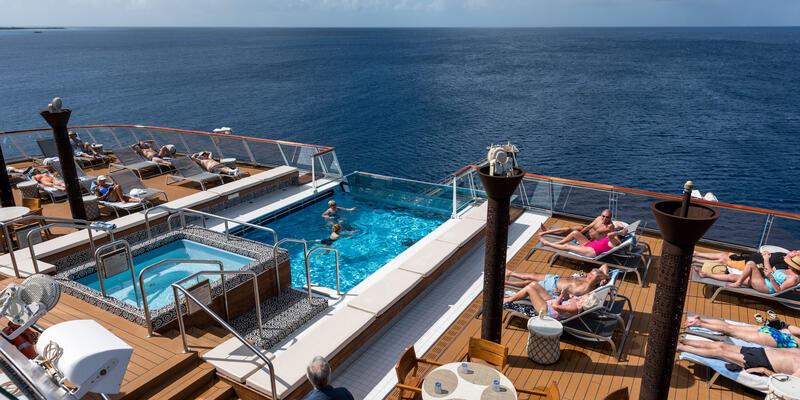 Infinity Pool on Viking Sea  (Photo: Cruise Critic)