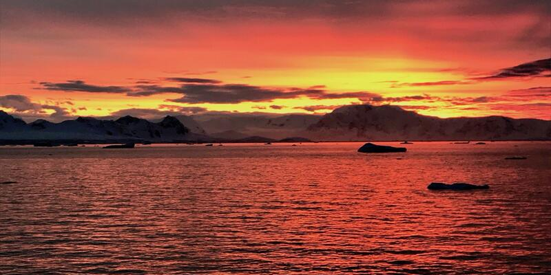 Antarctica Sunset (Photo by: Veronica Stoddart)