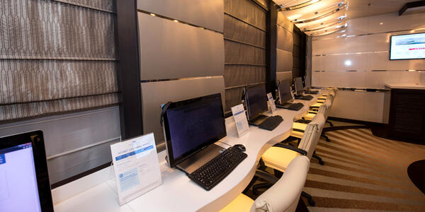 Internet Cafe on Regal Princess (Photo: Cruise Critic)